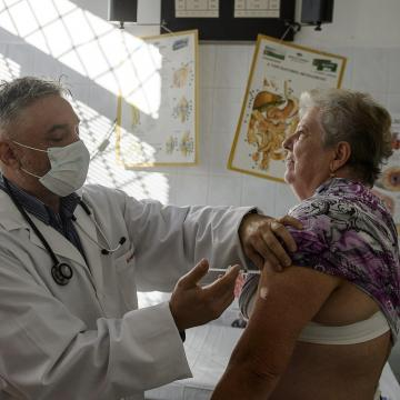 Influenza - Idén is 1,3 millió adag vakcina áll a legveszélyeztetettebbek rendelkezésére