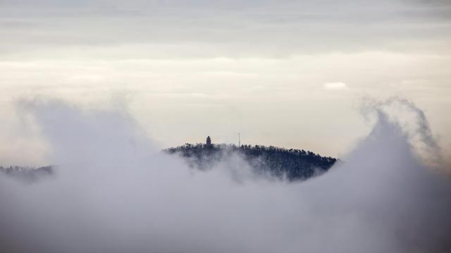 Ködös és napos idő váltakozik, fokozatos lehűléssel