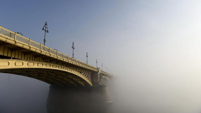 Ködös idővel érkezik a valódi november