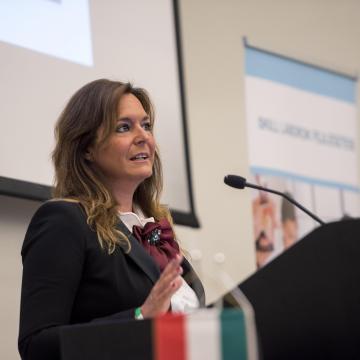 Megnyitották a Sinosz felújított tolmácsközpontját a magyar jelnyelv napján