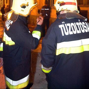 Munkagép gázvezetéket vágott át a Budapesti úton
