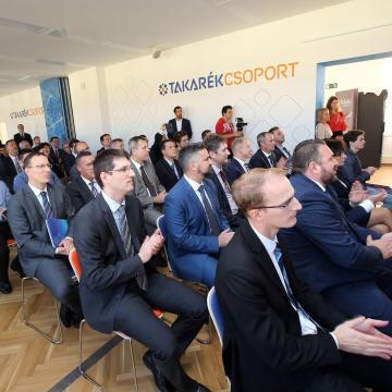 Pénzügyi oktatási centrum nyílt a közgazdaságtudományi karon
