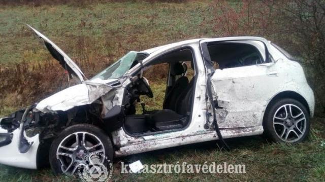 Kamionnal ütközött egy kocsi Tokodnál