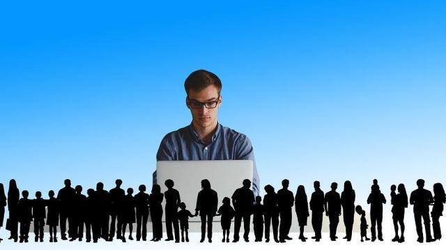 Negyvenmilliárd forinttal támogatják a vállalkozásba kezdő fiatalokat