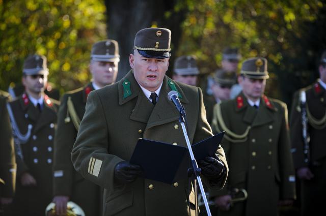 Soproni kiadásban jelent meg kötet az Arany Vitézségi Érmes katonákról