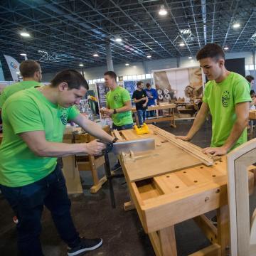 40 milliárd forintra pályázhatnak fiatalok és álláskeresők