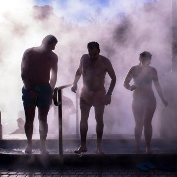 A gyógyfürdő mellett geotermikus energia fűtheti a város többi intézményét is