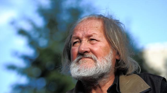 Buda Ferenc költő, levéltárunk egykori munkatársa kapta az idei Ratkó-díjat