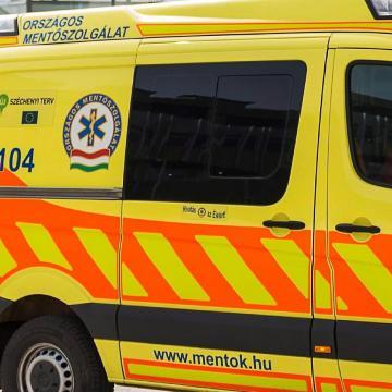 Halálos baleset történt Pécs közelében, egy ember meghalt, öten megsérültek