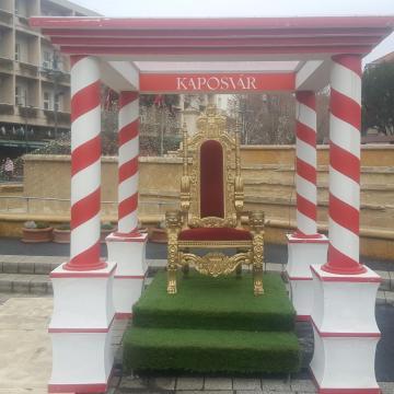 Ezen a trónon bárki helyet foglalhat az ünnepek alatt