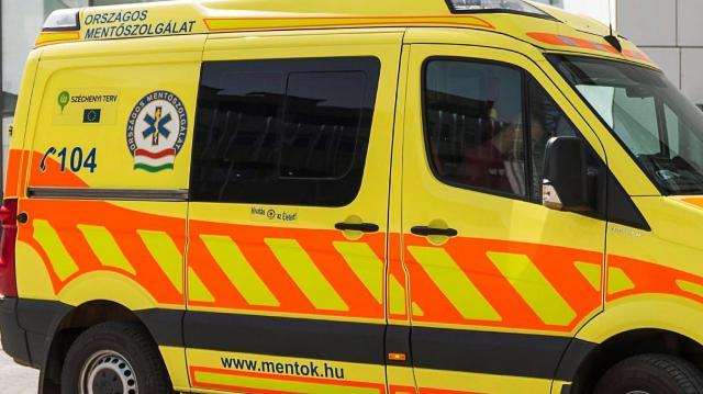 Két kocsi ütközött a Csengery utcában
