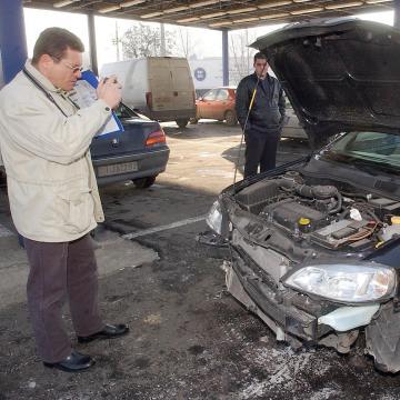 Várhatóan 80 ezer kgfb szerződést mondanak fel a járműtulajdonosok