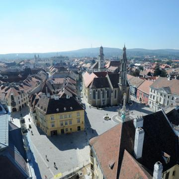 Átadták Sopron megújított belvárosi utcáit