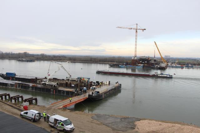 Elkezdődött az új híd pilléreinek betonozása