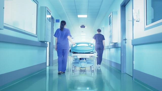 Jelentős béremelés várható az egészségügyben