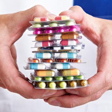 Korszerűsítik a klinikák gyógyszerellátását