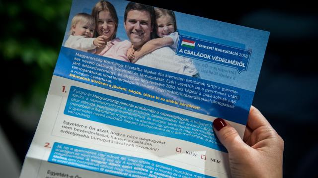 Már közel 800 ezren vettek részt a családok védelméről szóló nemzeti konzultációban - VIDEÓVAL