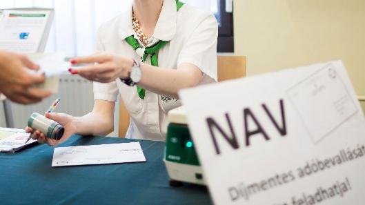 Rendkívüli nyitvatartással fogadnak a NAV-kirendeltségek