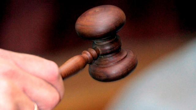 Súlyosan elhanyagolta kislányát, akit szexuális kihasználtak – Vádat emeltek