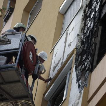 Lakástűzben halt meg egy ember Kazincbarcikán