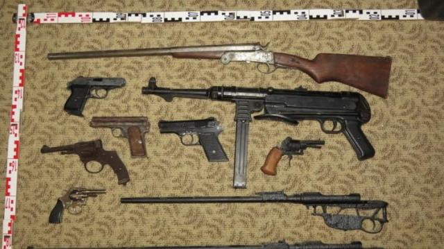 Lőszer- és fegyverarzenál