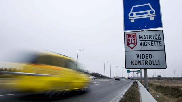 Már 23 ezer jövő évi autópálya-matricát értékesítettek elővételben