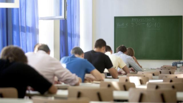 Már 30 ezer fiatalnak térítették vissza a nyelvvizsgadíját