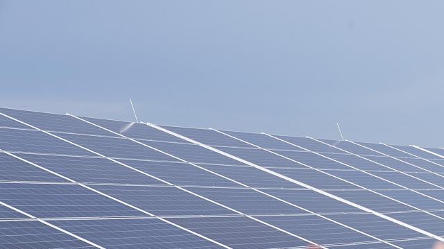 Országosan 110 naperőművet épít 48 milliárd forintból az MVM