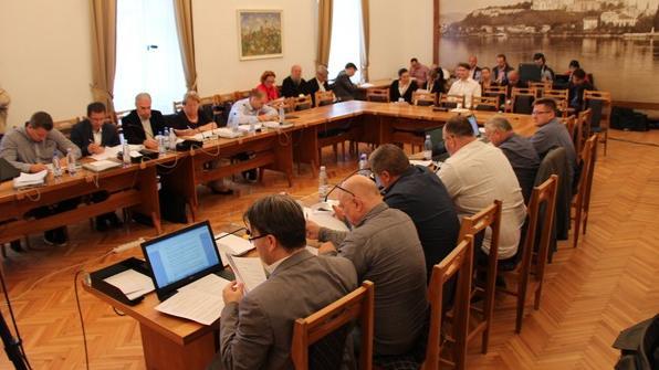 Több napirenddel tart rendkívüli ülést a testület