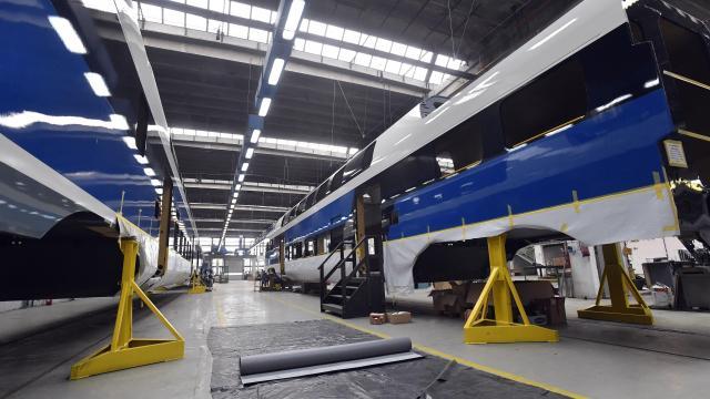 Újabb emeletes motorvonat szállításáról írtak alá megállapodást