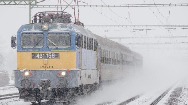 Ünnepi menetrend szerint járnak a vonatok év végén