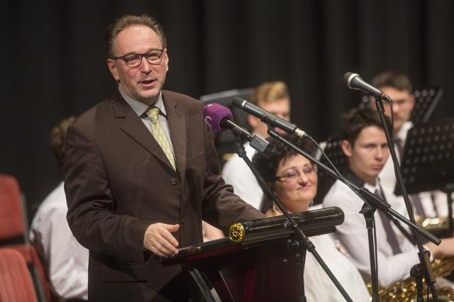 Mórahalmi bejelentés: új hangszereket kapnak a művészeti iskolák