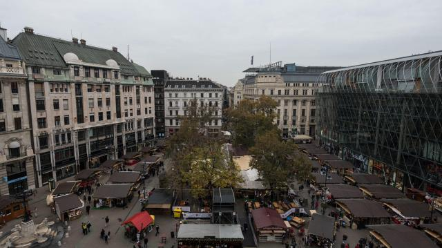 Teljesen megújul a Vörösmarty és a Podmaniczky tér