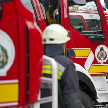 Huszonöt lángoló autóhoz siettek tűzoltóink Kaposvárra