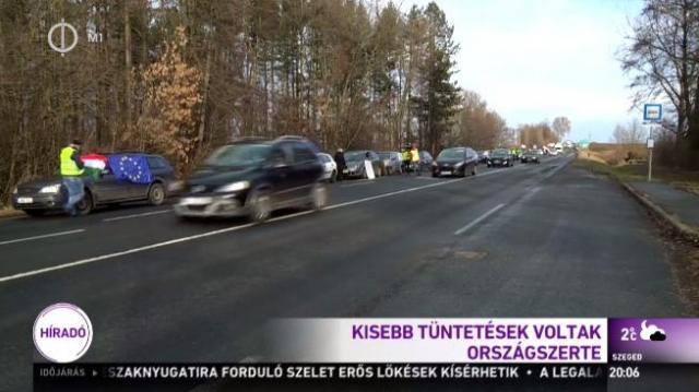 Pécsen is tüntettek a munka törvénykönyvének módosítása ellen