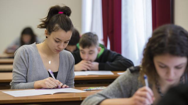 Szombaton tartják az írásbeli felvételi vizsgákat
