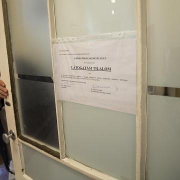 Teljes a látogatási tilalom a kardiológiai intézetben