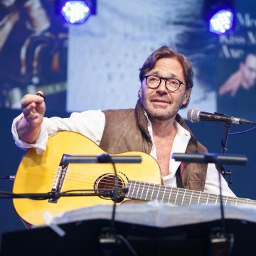 Al Di Meola koncertezik hamarosan Pécsen