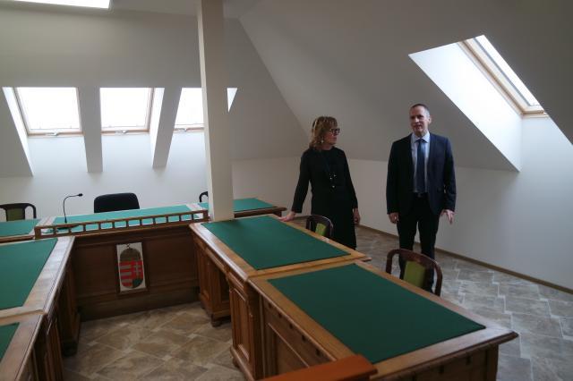 Átadták a járásbíróság ideiglenes épületét
