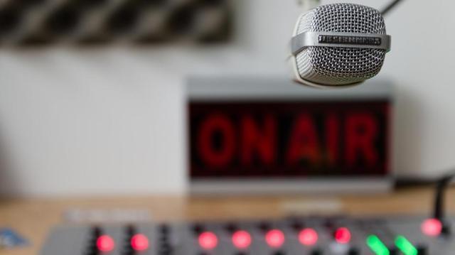 Bajai rádiós pályázat ügyében is döntött a médiatanács