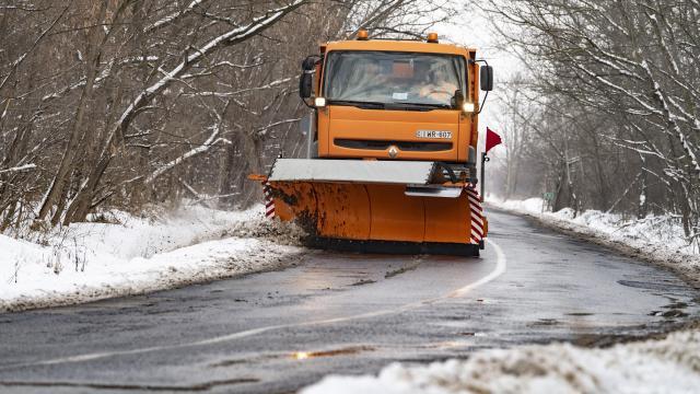 Borsod csapadékmentes, Somogyban, Nógrádban elállt a havazás, máshol esik