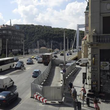 Főtáv: folyik a belváros távhőhálózatba való bekapcsolása