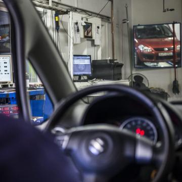 Ingyen lekérdezhetők a gépjárművek adatai