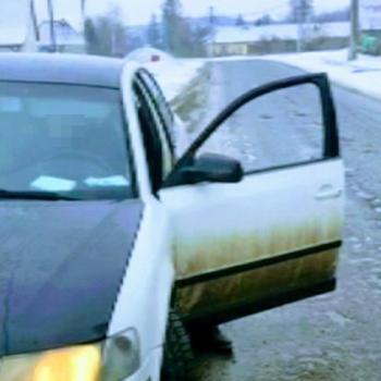 Kanyarodni képtelen roncsot vezetett egy sofőr