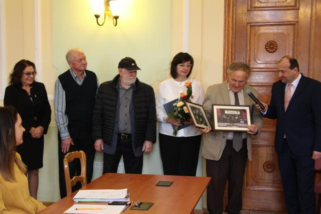 Kitüntette Chrisztu Olympiát és a HORIZONT együttest Komárom