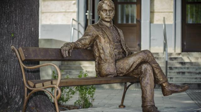 Közösen emlékezik Debrecen és Nagyvárad a 100 éve elhunyt Ady Endrére
