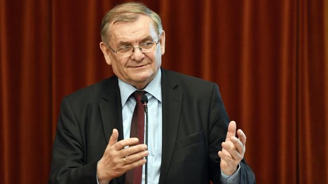 Lezsák Sándor: meg kell újulnia a hungarikummozgalomnak