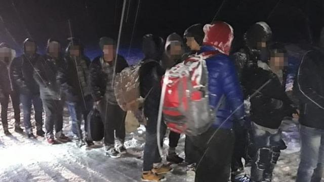 Tizennyolc határsértőt fogtak el Sárháton