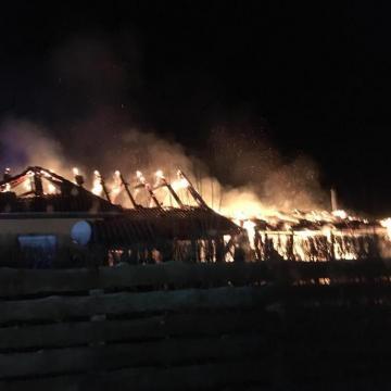 Garázs és családi ház gyulladt ki Zalavégen