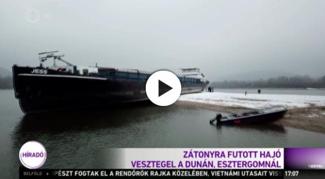 Még jó ideig a helembai zátony rabja a zátonyra futott hajó - VIDEÓ